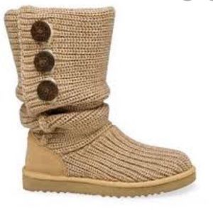 EUC UGG Bailey button knit boots